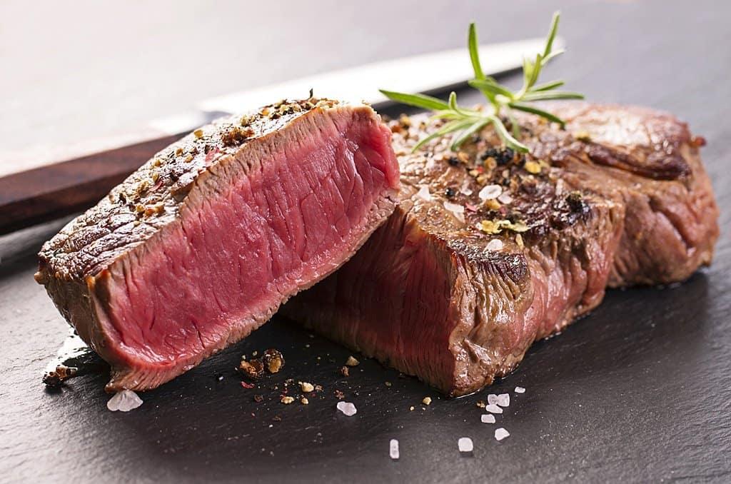 339866_steak-anschnitt-shutterstock