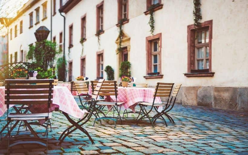deutschland-bayern-biergarten-gastgarten